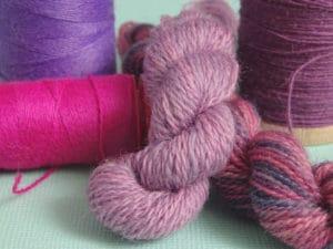 Utiliser des fils classiques en broderie d'embellissement : les fils de laine