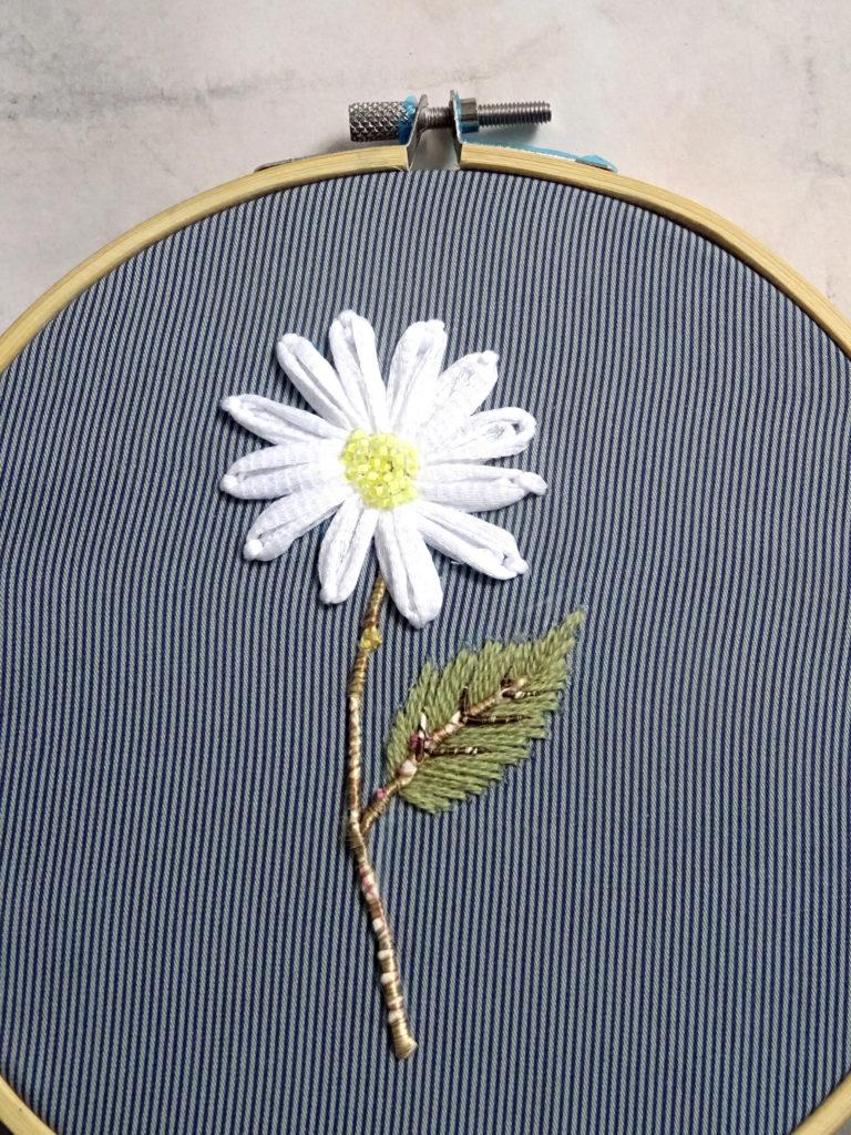 50 nuances de fleurs brodées