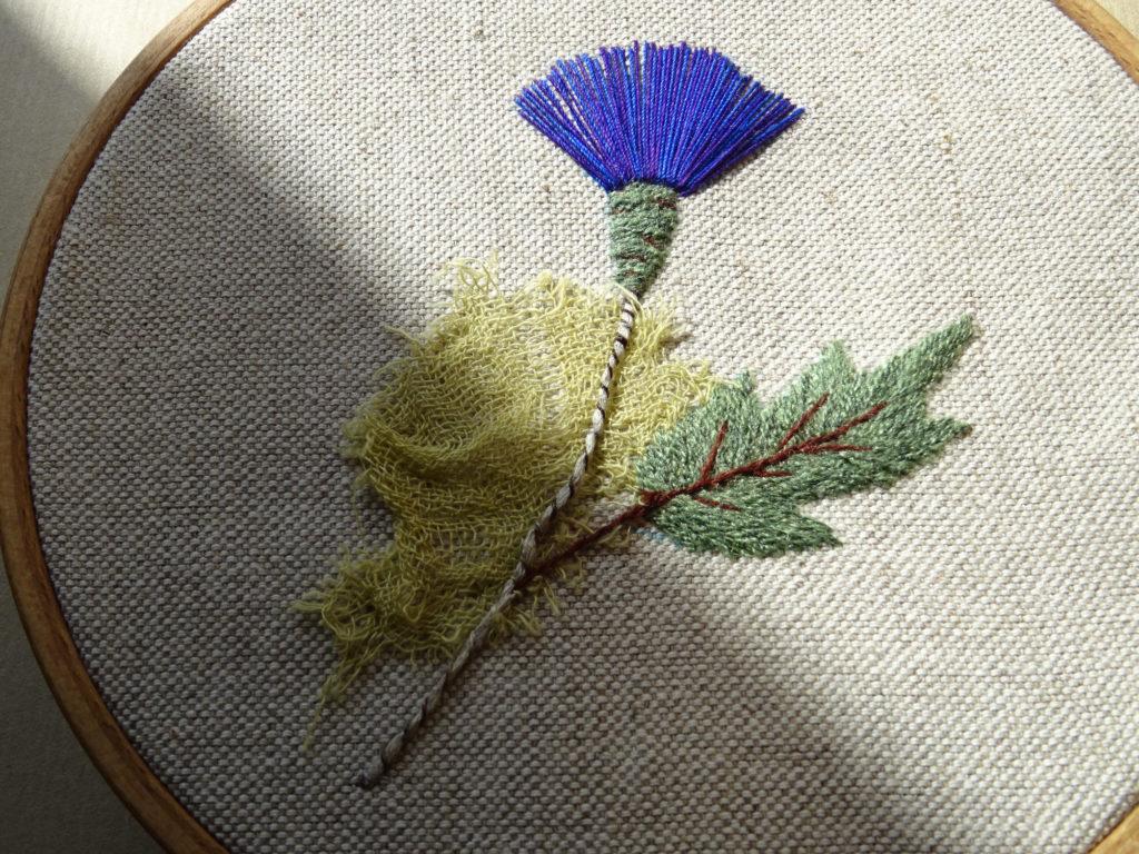 Nuance brodée #5 Modèle fleur gratuite