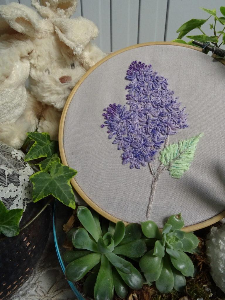 Nuance brodée #11 : Broder des fleurs de Lilas